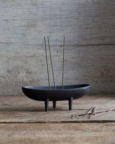 Tri-Foot Incense Holder - Oigen Foundry Co. - Nalata Nalata