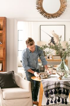 Welcome to the Living Spaces Ideas + Advice! Get the latest ideas and advice on home decor styles, trends, how tos and decor tips. Nate Berkus, Home Decor Styles, Diy Home Decor, Nate And Jeremiah, Living Room Decor, Bedroom Decor, Casual Decor, Burke Decor, Beautiful Living Rooms