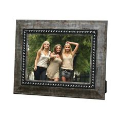 Porta-Retrato Clássico Cinza - 15x21 - em Madeira - 25x19,5 cm   Carro de Mola - Decorar faz bem.