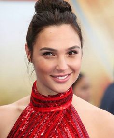 gal gadot 2019 at DuckDuckGo Gal Gadot Model, Gal Gardot, Gal Gadot Wonder Woman, Actrices Hollywood, Celebrity Look, Woman Crush, Queen, Beautiful Actresses, Most Beautiful Women