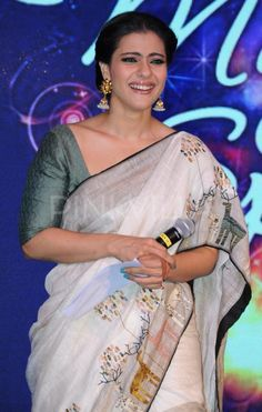 This talented actress who was always ridiculed for her fashion bloopers shocked everyone with her stunning appearance at the recently held Hindustan . Kajol Saree, Bollywood Saree, Bollywood Fashion, Saree Fashion, Beautiful Bollywood Actress, Beautiful Indian Actress, Divas, Saree Trends, Saree Models