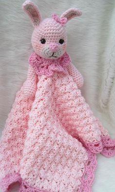 (4) Nombre: 'Crocheting: Conejito Huggy Manta