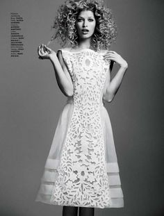 Wildly Curly Editorials - The ELLE Mexico 'Heide' Photoshoot Stars an Unruly Heide Lindgren (GALLERY)