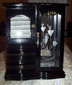 Vintage Wood High Gloss Black Jewelry by UniquelyoneofakindMJ