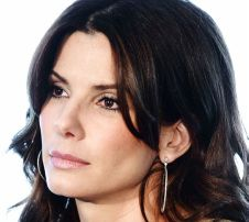 Sandra Bullock reacts to being named People's Most Beautiful Woman (Quote) Sandra Bullock, Deep Winter Colors, Dark Winter, Beautiful Women Quotes, Most Beautiful Women, Seasonal Color Analysis, Winter Makeup, Facial Skin Care, Real Beauty