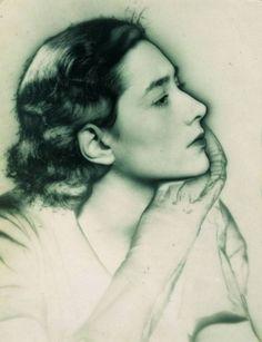 Man Ray - Portrait de Gisèle de la Bégassière, 1930