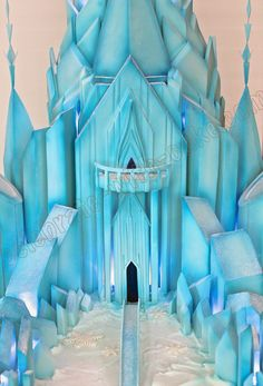 Celebrate with Cake! Frozen Themed Birthday Party, Frozen Party, Birthday Party Themes, Frozen Castle Cake, Frozen Cake, Frozen Decorations, Frozen Cosplay, Ice Castles, Christmas Gingerbread House