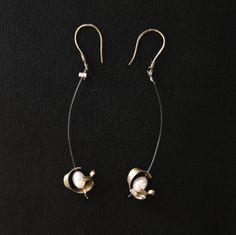 brass & pearl/ορείχαλκος & μαργαριτάρι