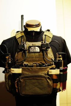 Mayflower APC with SKD PIG shoulder pads and cummerbund.  Crye Precision JPC Radio pouches added.