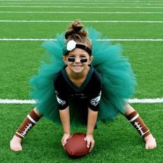 football girlyes yes yes but in dallas cowboy gear - Girls Football Halloween Costume