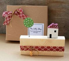 Christmas Holidays, Christmas Crafts, Merry Christmas, Xmas, Little Houses, Gift Wrapping, Deco, Wood, Gifts