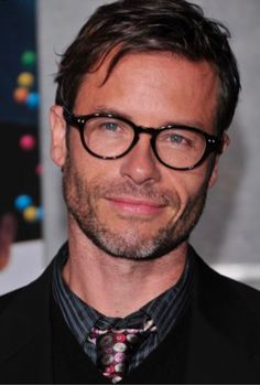 Celebrities - Guy Pearce Photos collection You can visit our site to see other photos. Australian Men, Australian Actors, Hollywood Men, Hollywood Celebrities, Male Celebrities, Most Beautiful People, Beautiful Men, Guy Pearce Memento, Mr Beard