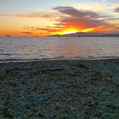 #SailorsDelight #englishbaybeach #Vancouver #sunset