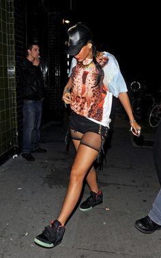 Rihanna Rihanna In Fishnet Shorts Rihanna. RiRi #Rihanna, #Riri, #pinsland, https://apps.facebook.com/yangutu