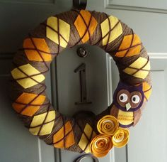 Items similar to Yarn Wreath Felt Handmade Door Decoration - Argyle Owl 12in on…