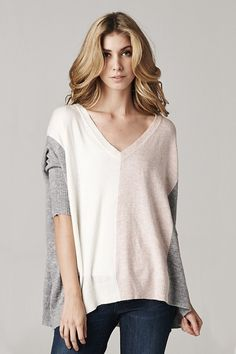 Casually chic color block sweater. V-neck. Laid back fashion look.