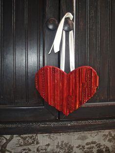 Lots of hearts ~ be my valentine :: FunkyJunk Interiors - Donna's clipboard on Hometalk :: Hometalk
