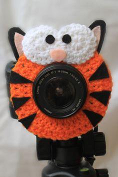 Crochet Camera Lens Shutter Buddy - Timmy the Tiger (Etsy $15.99)