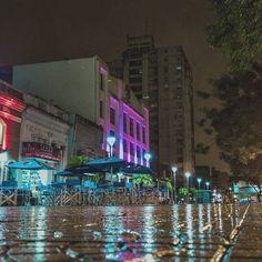 De anoche ⛈️ (Junin entre San Lorenzo y Santa Fe) --------------------------------------------------------------------- #argentina #ig_argentina #ig_latinoamerica_ #rain #argentina_ig #landscape #nature #naturaleza #lr #like4like #follow4follow #igworldclub #igworldglobal #ig_world_photo #street  #streetphoto #photooftheday #streetart #bestcitymoments #city #argentina_estrella #great_captures_argentina #esquinasdetuciudad #ig_color  #loves_argentina_ #paisajes_argentinos #argentina_illife...