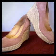 Pink wedge shoes Super cute rose pink wedges size 8 but could fit a 7 1/2.  Used one day at a wedding.  Lucky you!! :-) Enzo Angiolini Shoes Wedges