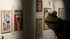 Un collectionneur a fait don de ses 1178 numéros de Charlie Hebdo au musée de la Bande dessinée d'Angoulême. Certains sont déjà présentés au sein de l'exposition <i>Une histoire de Charlie Hebdo</i>. Un ancien professeur du Poitou-Charente a fait don à l'institution culturelle d'Angoulême de l'intégralité des numéros du journal satirique, depuis sa renaissance en 1992.