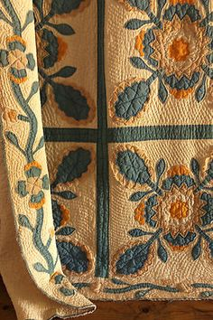 Heir and Space: Antique QuiltsYou can find Antique quilts and more on our website.Heir and Space: Antique Quilts Quilting Projects, Quilting Designs, Amische Quilts, Yellow Quilts, Civil War Quilts, Traditional Quilts, Antique Quilts, Textiles, Mellow Yellow
