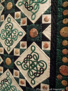 close up, Irish Knots and Golden Coins quilt by Jaynette Huff. 2013 Houston IQF, photo by Quilt Inspiration