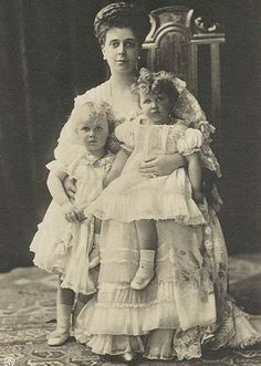 Olga, Elena and Elisabeth