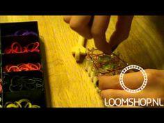 Sleutelhanger of armband - Rainbow Loom NL - YouTube Rainbow Loom, School, Bracelets, Youtube, Crafts, Jewelry, Wristlets, Manualidades, Jewlery