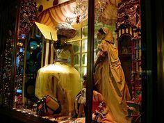 Extravagant Christmas Display Window | e40bb8d3b512148597a0ea14013df524.jpg