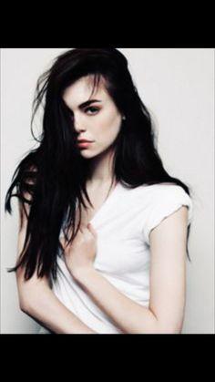 Model teen cute mary