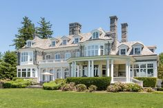 High up the double digit millions: Faultless-Waterfront-Estate-in-Cold-Spring-Harbour-New-York Dream Home Design, My Dream Home, House Design, Huge Houses, Dream Mansion, Luxury Homes Dream Houses, Dream Homes, Dream House Exterior, Hamptons House