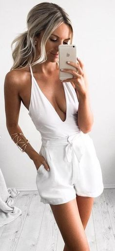 looks para o réveillon todo branco 2017 ano novo moda looks new years eve nye fashion outfit white mood Summer Outfits 2017, Summer Fashion Outfits, Spring Summer Fashion, Spring Outfits, Spring Break, Outfit Summer, Style Summer, Fashion Dresses, White Outfits