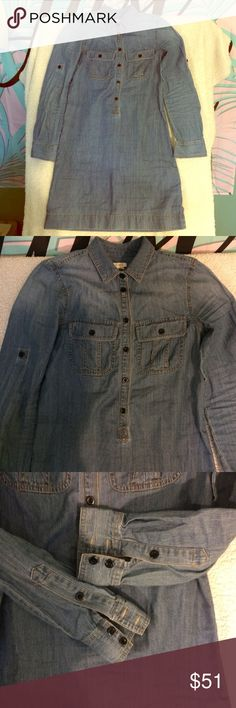 """🎉HP🎉 J.Crew Denim Shirt Dress button down EUC J.Crew Jean Shirt Dress 1/2button down EUC. No major flaws noticed. Slight fading. Factory fade also. All buttons intact. Great with boots 👌 size 00. Slightly oversized. Approx 40"""" chest, 38"""" long. 100% cotton 1/4/18 back to basics part host pick! J. Crew Dresses"""