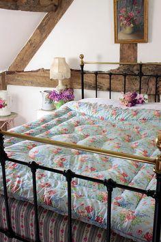 lit fer forgé + tête de lit bois