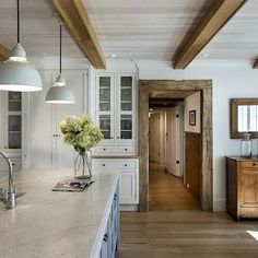 Country Kitchen Ceiling Beams - Design photos, ideas and inspiration. Amazing gallery of interior design and decorating ideas of Country Kitchen Ceiling Beams in home exteriors, living rooms, kitchens by elite interior designers. Küchen Design, Home Design, Design Ideas, Home Interior, Interior Design, Brown Interior, Wood Beams, Country Kitchen, Kitchen Wood