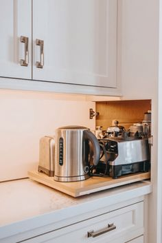 Great corner kitchen sink cabinet just on mafa homes Corner Kitchen Layout, Kitchen Sink, Kitchen Appliances, Kitchen Inspiration, Kettle, Homes, Cabinet, Ideas, Diy Kitchen Appliances