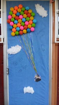 1000 images about puertas decoradas on pinterest for Decoracion puerta aula infantil