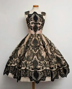 I love Chotronette dresses. Want so bad!