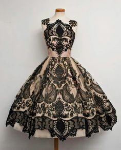 I love Chotronette dresses. Want so bad!