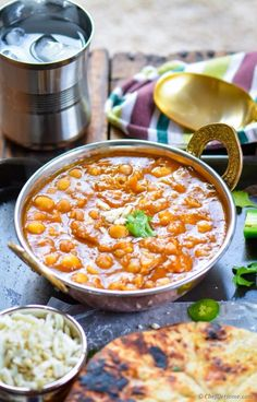 Starting Monday with a healthy and delicious Chickpea Curry, made with dried chickpeas (pre-soaked) cooked in Indian spices and tomatoes-onion gravy.Creamy without the creams or nut milks.. this ev...