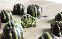 The Vegan Cookie Fairy: Pistachio Chocolate Truffles. Use raw cacao powder instead to keep this treat raw. Raw Vegan Desserts, Vegan Treats, Vegan Foods, Vegan Snacks, Gluten Free Desserts, Raw Food Recipes, Just Desserts, Cooking Recipes, Chocolates