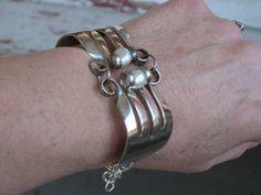 Silverware Jewelry - Vintage Silverplate Fork Bracelet with Pearls (00037-LV)