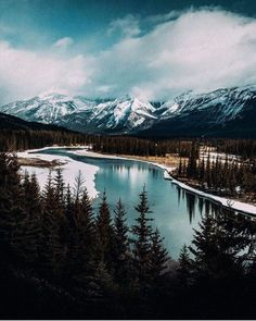 Jasper National Park. Photo by @jude_allen #livefolk... http://ift.tt/2jJAEcf