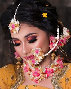 Bridal Makeup Pictures, Hd Bridal Makeup, Bengali Bridal Makeup, Bridal Makeup Looks, Bride Makeup, Indian Wedding Rings, Indian Wedding Makeup, Indian Weddings, Eye Jewelry