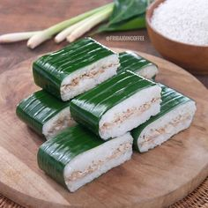 Indonesian Desserts, Asian Desserts, Indonesian Food, Breakfast Recipes, Snack Recipes, Cooking Recipes, Snacks, Traditional Cakes, Diy Food