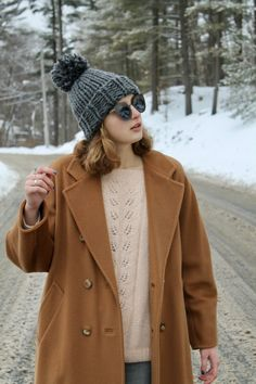 Camel coat, grey beanie and knit winter sweater #fashionblogger #ootd