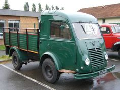 Classic Trucks, Classic Cars, Films Western, Automobile, Old Lorries, Mini Bus, All Cars, Old Trucks, Car Car