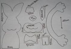 Este conejo dentolas en goma eva puede ser utilizado para decorar un dulcero, un portalapices, un porta cepillos de dientes o lo que ustedes quieran. Una i