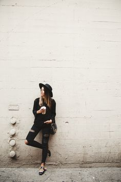 top: Lovely Pepa // jeans: Pull &  Bear // hat: Asos // loafers: Gucci // bag: Paula Cademartori